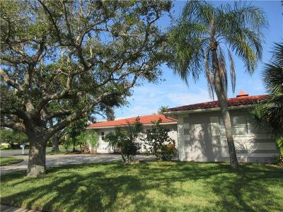 Clearwater Beach Single Family Home For Sale: 501 Island Way