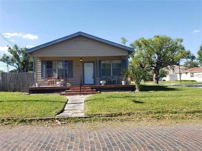 Single Family Home For Sale: 2701 W Cordelia Street