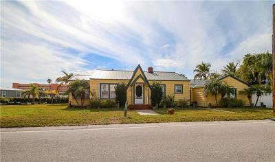 Madeira Beach Single Family Home For Sale: 14000 Vivian Drive