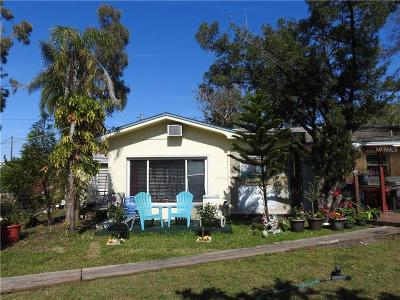Largo Single Family Home For Sale: 2925 E Bay Drive
