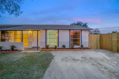 Tampa Single Family Home For Sale: 8807 Covered Bridge Court