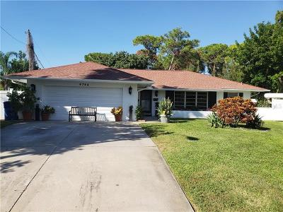 Pinellas County Single Family Home For Sale: 4744 Neptune Drive SE