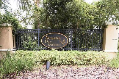 Tampa Townhouse For Sale: 9907 Palermo Breeze Way