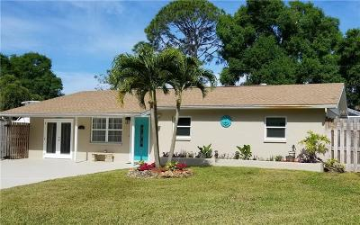 Venice Single Family Home For Sale: 460 Pelican Road