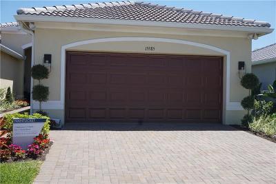 Wimauma, Wimauma` Villa For Sale: 4903 Avila Lakes Dr