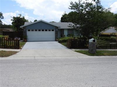 Palm Harbor Single Family Home For Sale: 1646 Castlewood Lane