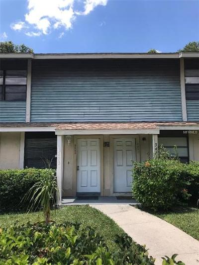 Hillsborough County Townhouse For Sale: 3423 Oak Trail Court