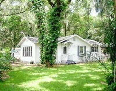 Brandon FL Single Family Home For Sale: $209,000