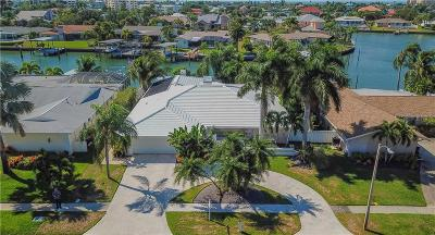 Single Family Home For Sale: 800 Harbor Island