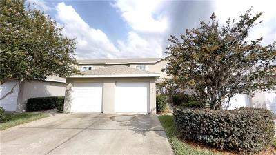 Tampa Townhouse For Sale: 18505 Pebble Lake Ct