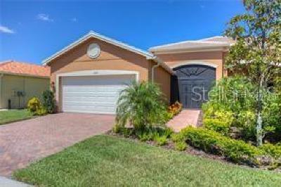 Hillsborough County Villa For Sale: 15713 Aurora Lake Circle