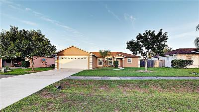Kissimmee Single Family Home For Sale: 103 Pine Bark Way