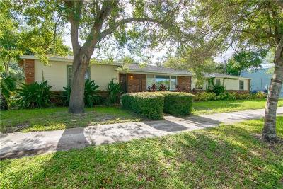 Pasco County, Pinellas County, Hillsborough County Single Family Home For Sale: 2600 1st Street N