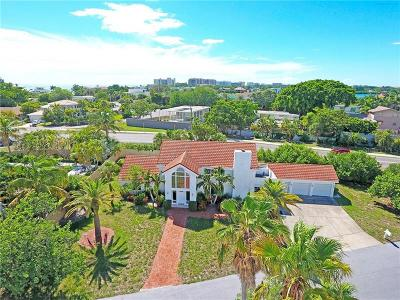 Sarasota Single Family Home For Sale: 451 Bowdoin Circle