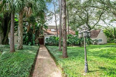 Tampa Single Family Home For Sale: 9512 WINDSONG LANE