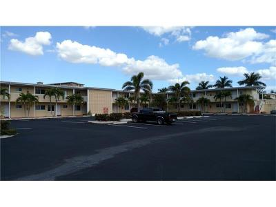 Indian Shores Condo For Sale: 19417 Gulf Boulevard #E-206