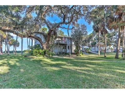 Weeki Wachee Single Family Home For Sale: 10504 Pine Island Drive