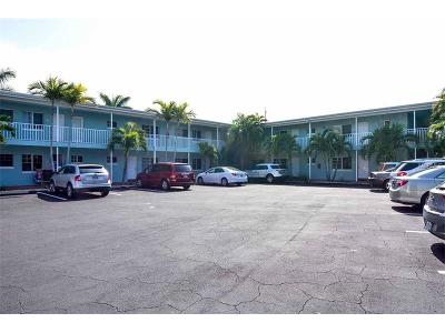 Indian Shores Condo For Sale: 19417 Gulf Boulevard #D-113