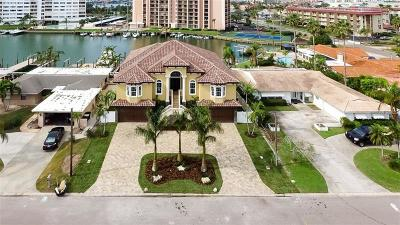 Clearwater, Clearwater Beach, Clearwater` Single Family Home For Sale: 38 Leeward Island
