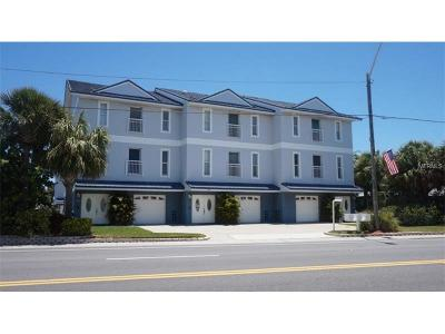 Treasure Island Townhouse For Sale: 9937 Gulf Boulevard