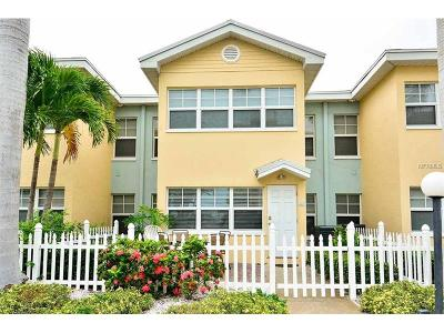 Indian Shores Condo For Sale: 19417 Gulf Boulevard #D-109