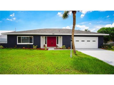 Apollo Beach Single Family Home For Sale: 6314 Wisteria Lane