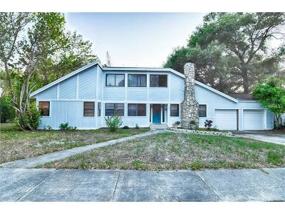 Clearwater Single Family Home For Sale: 300 Hilltop Avenue N