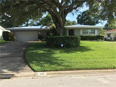Largo Single Family Home For Sale: 328 Overbrook Drive E