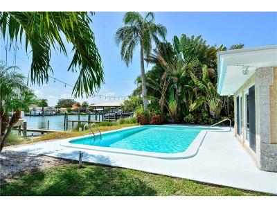 Clearwater Single Family Home For Sale: 37 Midway Island