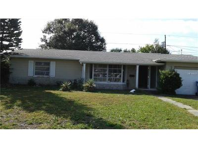 St Petersburg FL Single Family Home For Sale: $262,000