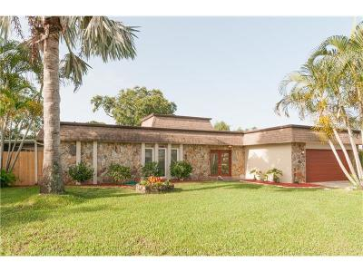Largo Single Family Home For Sale: 13622 Pinecrest Drive