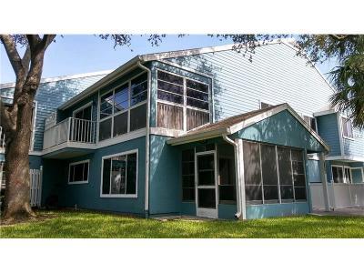 Tarpon Springs Condo For Sale: 2101 Oak Circle #2101