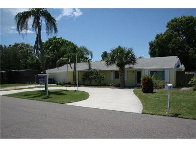 Redington Beach Single Family Home For Sale: 15914 2nd Street E