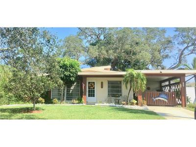 Palm Harbor Single Family Home For Sale: 227 Westwinds Drive