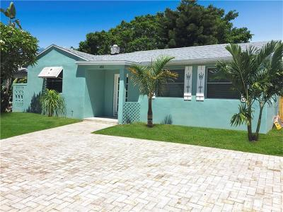 Madeira Beach Single Family Home For Sale: 490 S Bayshore Drive
