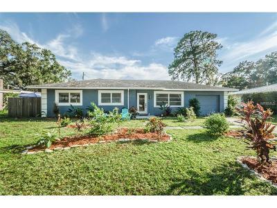 Dunedin Single Family Home For Sale: 987 Lake Drive