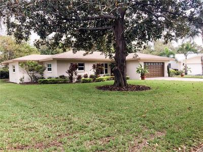 Hernando County, Hillsborough County, Pasco County, Pinellas County Single Family Home For Sale: 1729 Laurie Lane