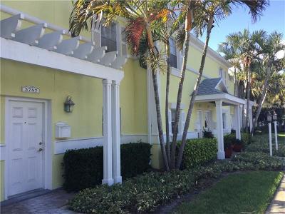 St Petersburg Townhouse For Sale: 3747 Pompano Drive SE #3747