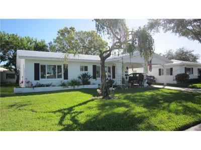 Single Family Home For Sale: 9733 Mainlands Boulevard E