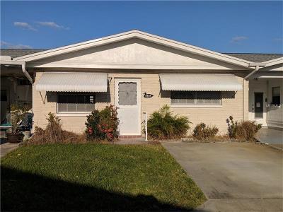 Pinellas Park Condo For Sale: 9905 Dahlia Street N #27