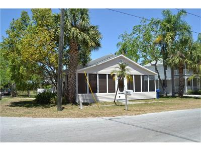 Palm Harbor Multi Family Home For Sale: 318 Bay Street