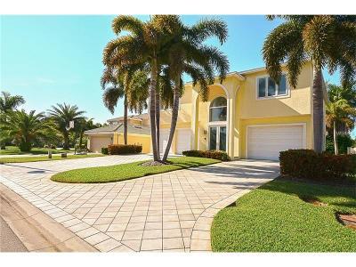 Tierra Verde Single Family Home For Sale: 960 Landmark Circle S