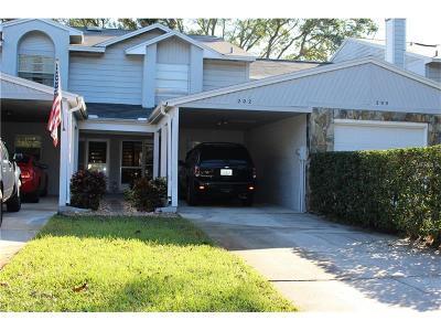 Palm Harbor Townhouse For Sale: 202 Saint Ives Drive #202