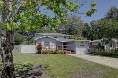 St Petersburg Single Family Home For Sale: 8011 Country Club Road N