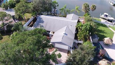 St Petersburg Single Family Home For Sale: 6802 Sea Gull Drive S