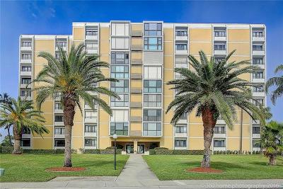 Clearwater Beach Condo For Sale: 851 Bayway Boulevard #207