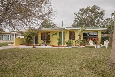 Dunedin Single Family Home For Sale: 2447 Baywood Drive E