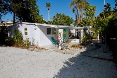 Indian Rocks Beach Multi Family Home For Sale: 819 E Gulf Boulevard