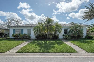 Madeira Beach Multi Family Home For Sale: 245 145th Avenue E