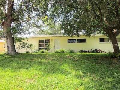 Belleair Bluffs Single Family Home For Sale: 2238 Duncan Drive